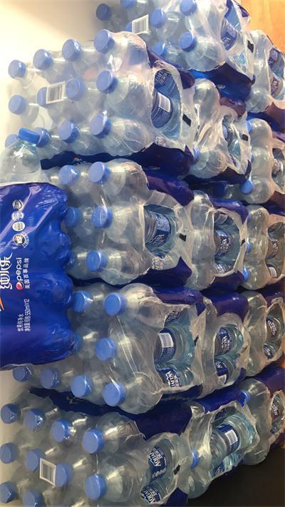 新开卡用户免费送12瓶装水一包
